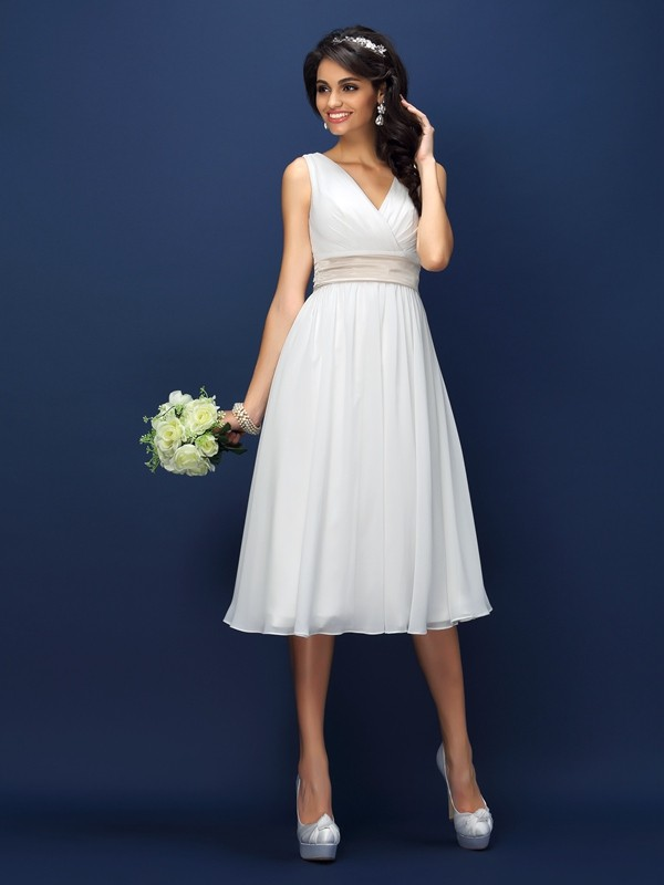 Chicregina A-Line/Princess V-neck Knee-Length Chiffon Bridesmaid Dress With Applique Pleats