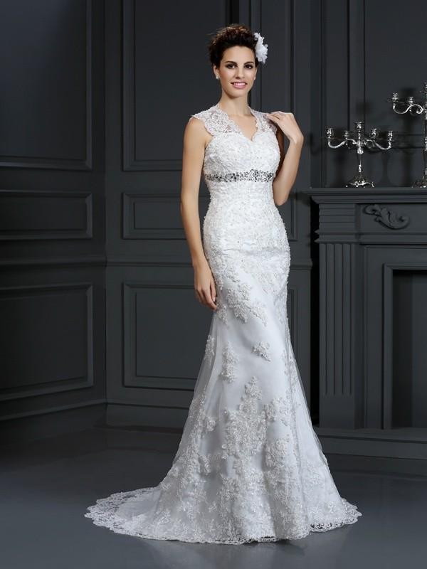 Chicregina Sheath/Column V-neck Sweep/Brush Train Lace Wedding Dress with Pleats