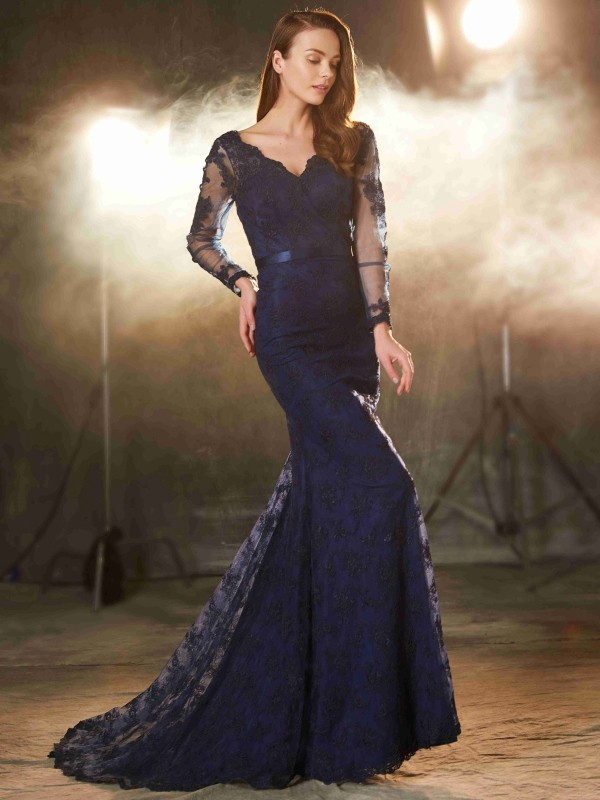 Chicregina Trumpet/Mermaid V-neck Long Sleeves Sweep/Brush Train Lace Dress With Applique