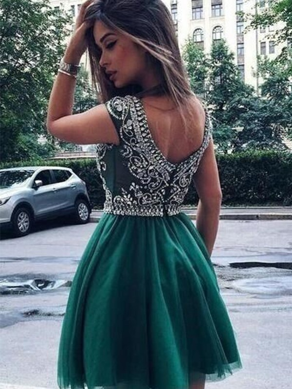 A-Line/Princess Scoop Tulle Short Dresses With Beading