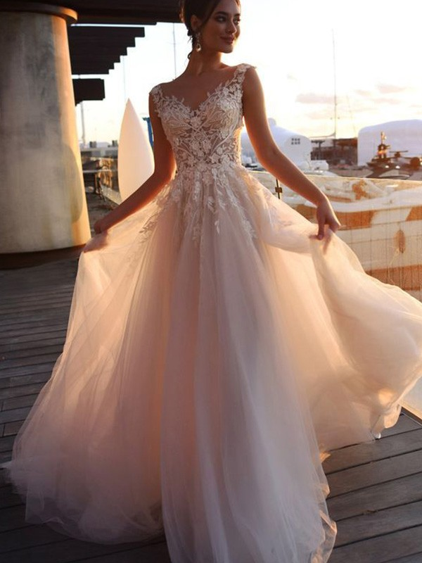 A-Line Bateau Short Sleeves Sweep/Brush Train Tulle Bridal Gown with Applique