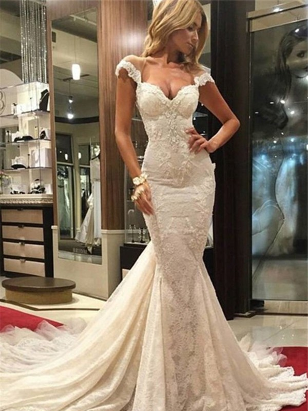 Trumpet/Mermaid Sleeveless Chapel Train V-neck Wedding Dress With Lace