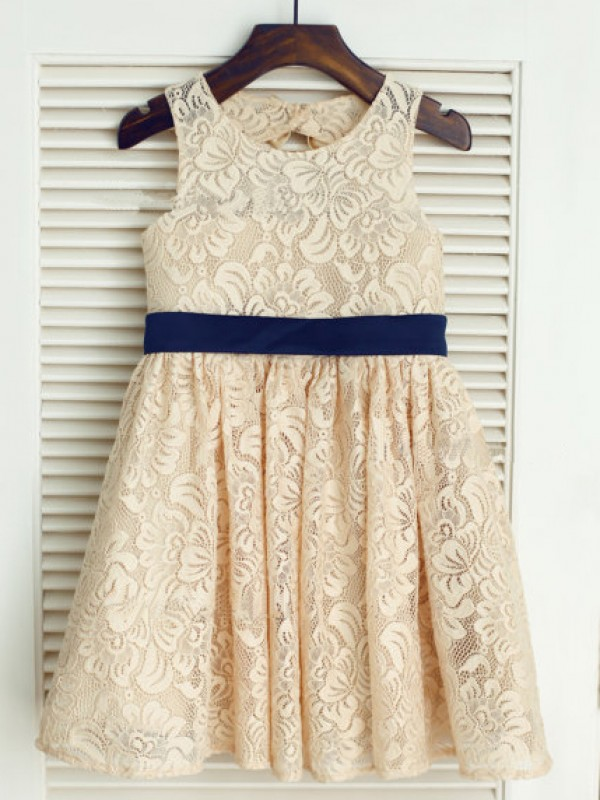 Chicregina Long A-Line/Princess Scoop Sleeveless Bowknot Communion Dress with Lace