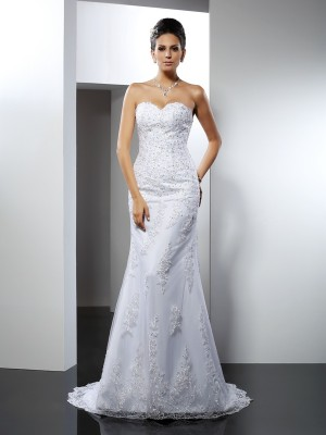 Chicregina Trumpet/Mermaid Sweetheart Lace Court Train Satin Wedding Dress with Beading
