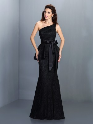 Chicregina Trumpet/Mermaid One-Shoulder Floor-Length Satin Dress with Lace