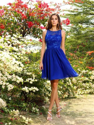 Chicregina A-Line/Princess Bateau Knee-Length Chiffon Bridesmaid Dress with Ruched Applique