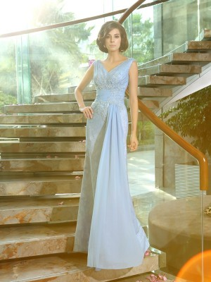 Chicregina Sheath/Column V-neck Lace Floor-Length Mother Of The Bride Dress with Ruffles Beading Applique