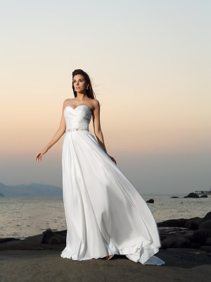 Chicregina A-Line/Princess Taffeta Sweetheart Chapel Train Wedding Gown with Beading