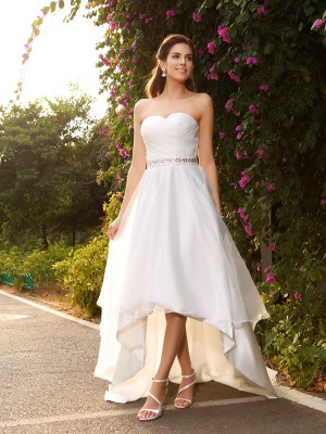Chicregina A-Line/Princess Sweetheart Asymmetrical Organza Wedding Gown with Beading