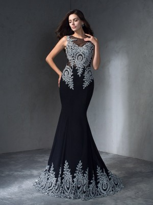 Chicregina Trumpet/Mermaid Scoop Sweep/Brush Train Chiffon Evening Dress with Ruffles Applique