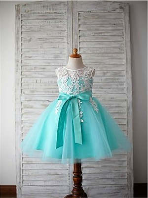 Chicregina Long Ball Gown Scoop Sleeveless Bowknot Flower Girl Dress with Tulle