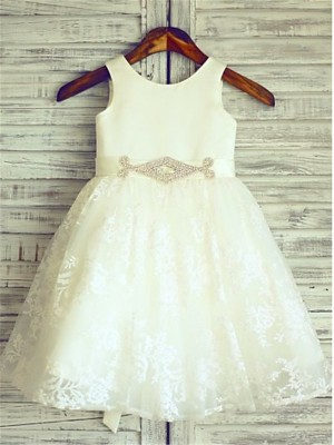 Chicregina Long A-Line/Princess Scoop Sash Sleeveless Flower Girl Dress with Lace