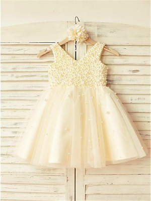 Chicregina A-Line/Princess V-neck Sleeveless Pearls Tea-Length Flower Girl Dress with Tulle