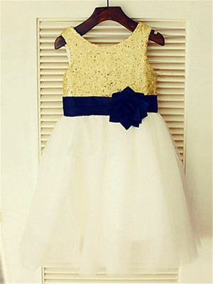 Chicregina A-Line/Princess Sleeveless Scoop Sequin Knee-Length Flower Girl Dress with Tulle