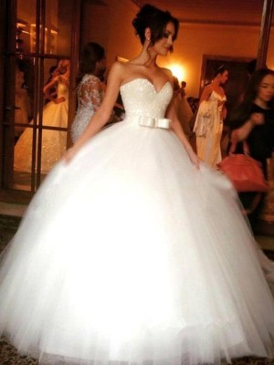 Ball Gown Sweetheart Tulle Sleeveless Floor-Length Wedding Dress With Bowknot
