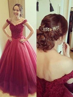 Ball Gown Off-the-Shoulder Sleeveless Long Tulle Dress With Appliques