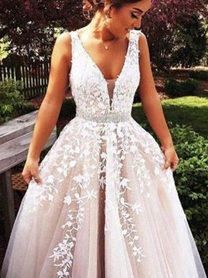 A-Line/Princess V-Neck Sleeveless Tulle Sweep/Brush Train Dress With Appliques