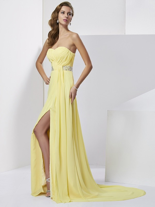 Elegant Sheath Sweetheart Sweep Train Chiffon Dress With Beading