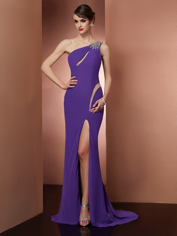 Chicregina Elegant A-Line One-Shoulder Sweep Train Chiffon Dress With Applique