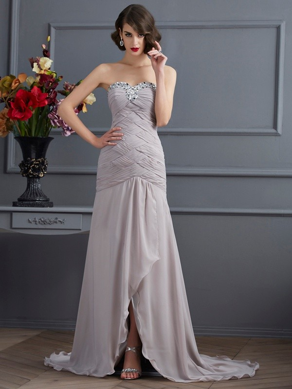 Chicregina Elegant A-Line Sweetheart Sweep Train Chiffon Dress With Beading