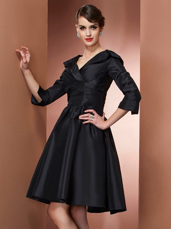 Chicregina A-Line V-neck 3/4 Sleeves Mini Taffeta Mother Of The Bride Dress With Beading
