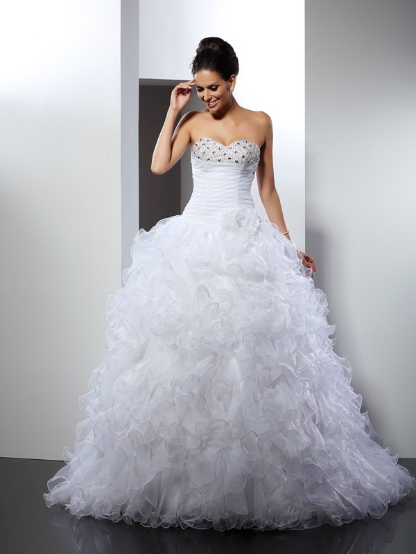 Chicregina Ball Gown Sweetheart Cathedral Train Organza Wedding Dress with Beading