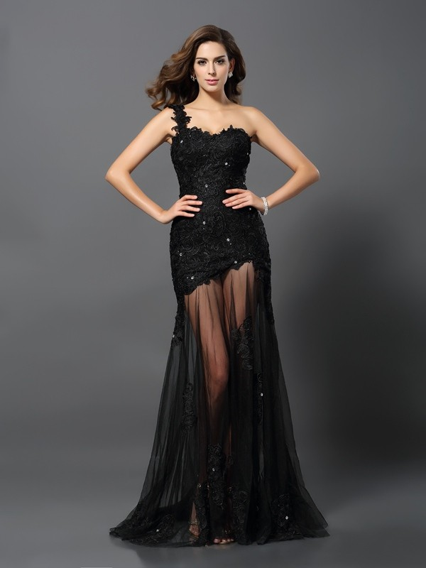 Chicregina Sheath/Column One-Shoulder Lace Sweep/Brush Train Applique Dress with Beading