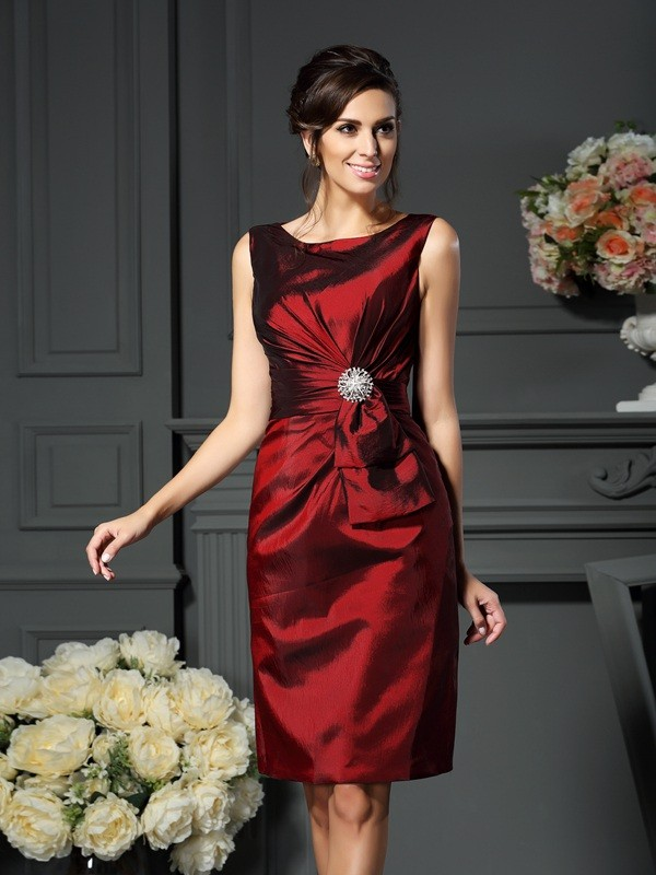 Chicregina Sheath/Column Scoop Knee-Length Pleats Taffeta Mother Of The Bride Dress with Ruffles