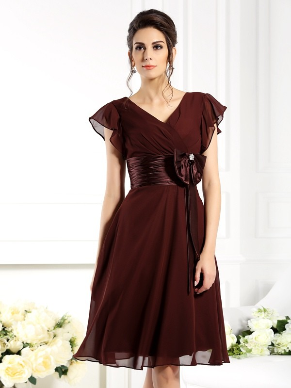 Chicregina A-Line/Princess V-neck Short Sleeves Knee-Length Chiffon Bridesmaid Dress with Ruched Bowknot