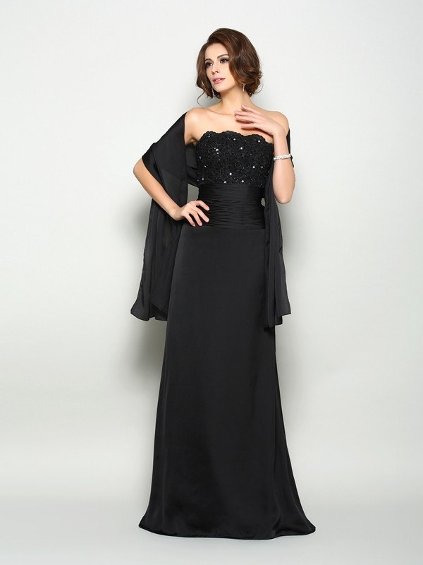 Chicregina A-Line/Princess Strapless Sweep/Brush Train Chiffon Mother Of The Bride Dress with Applique Beading
