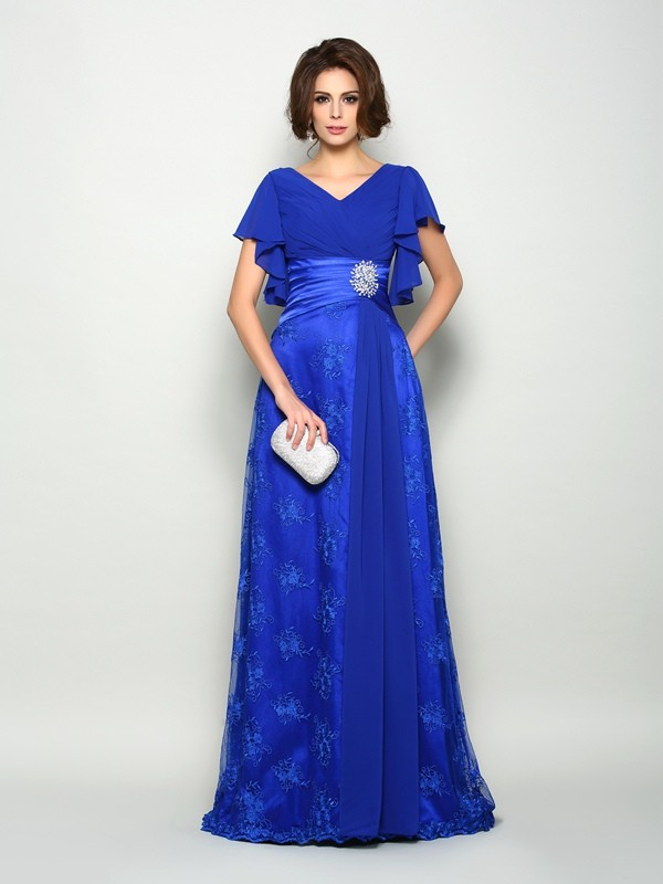 Chicregina A-Line/Princess V-neck Short Sleeves Chiffon Sweep/Brush Train Mother Of The Bride Dress with Beading Applique
