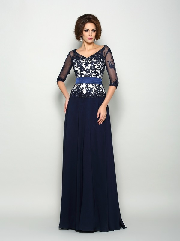 Chicregina A-Line/Princess 1/2 Sleeves Chiffon V-neck Sweep/Brush Train Mother Of The Bride Dress with Sash Applique