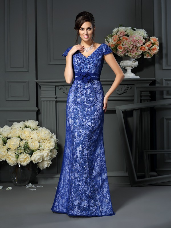 Chicregina Trumpet/Mermaid Short Sleeves V-neck Satin Floor-Length Applique Dress with Beading