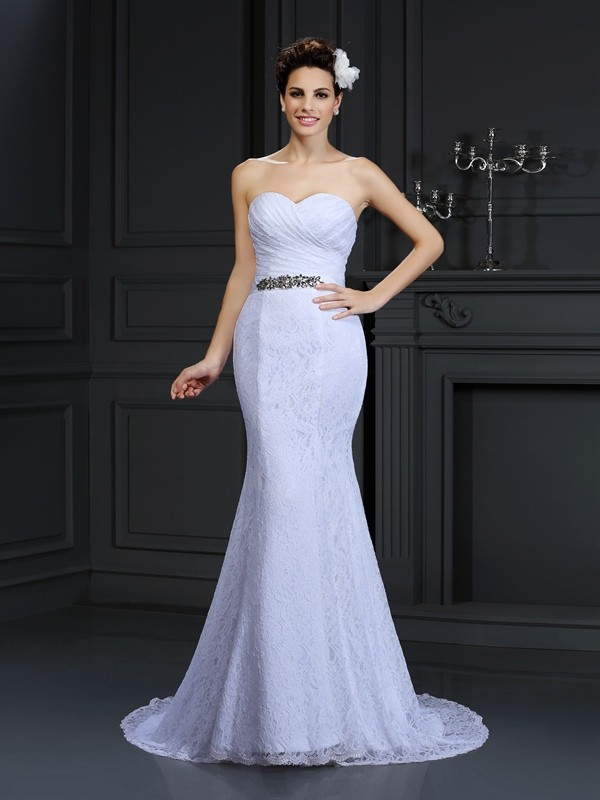 Chicregina Trumpet/Mermaid Sweetheart Chapel Train Lace Wedding Dress with Beading