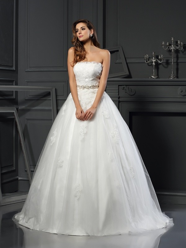 Chicregina Ball Gown Strapless Net Court Train Wedding Dress with Pleats Applique
