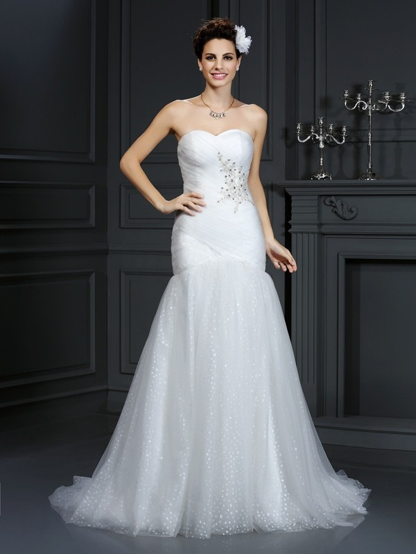 Chicregina Sheath/Column Sweetheart Court Train Net Wedding Dress with Ruched Beading