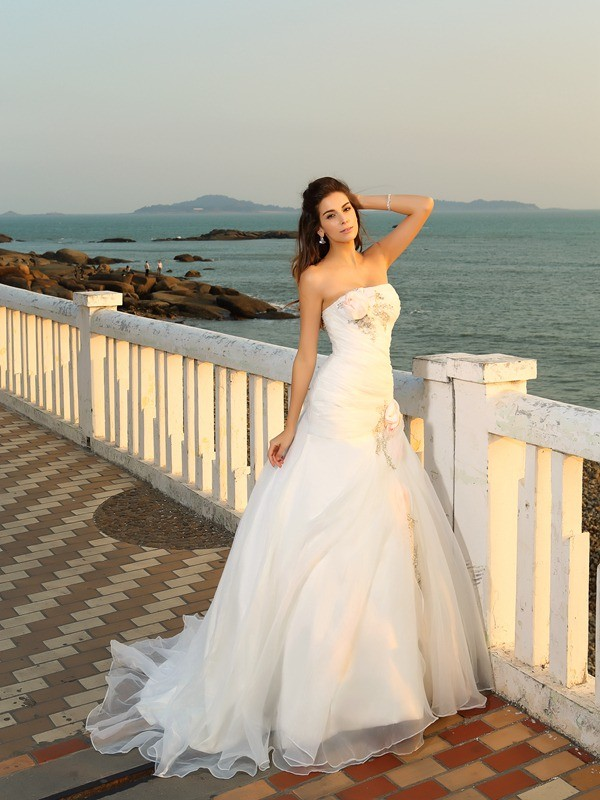 Chicregina Ball Gown Chapel Train Strapless Satin Wedding Dress with Beading Hand-Made Flower