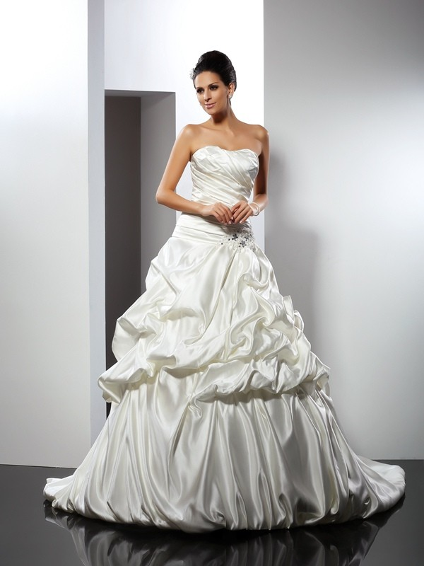 Chicregina Ball Gown Sweetheart Cathedral Train Satin Wedding Dress with Beading
