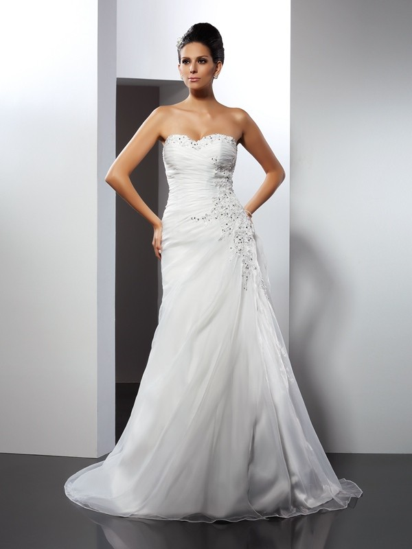Chicregina A-Line/Princess Sweetheart Court Train Organza Wedding Dress with Sash Applique