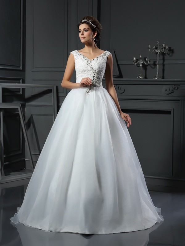 Chicregina A-Line/Princess V-neck Organza Chapel Train Wedding Dress with Ruched