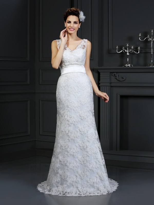 Chicregina Trumpet/Mermaid Sweetheart Chapel Train Lace Wedding Dress with Sash Applique