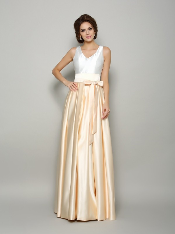 Chicregina A-Line/Princess Satin V-neck Floor-Length Bowknot Dress with Beading