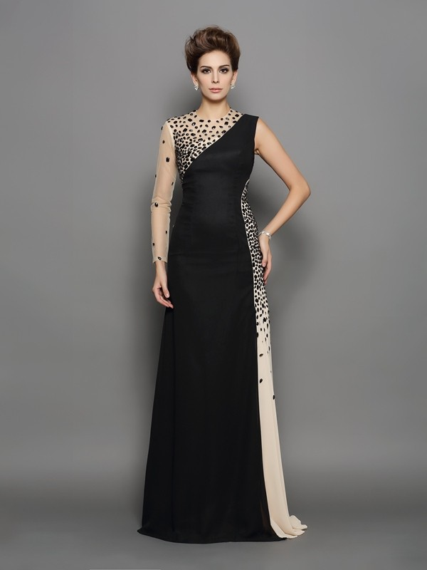 Chicregina A-Line/Princess High Neck Long Sleeves Chiffon Sweep/Brush Train Dress with Ruched Beading
