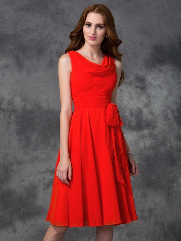 Chicregina A-line/Princess Scoop Knee-length Chiffon Bridesmaid Dress with Beading Ruffles
