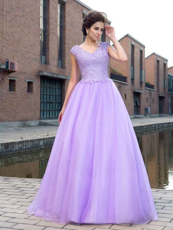 Chicregina Ball Gown V-neck Short Sleeves Net Floor-Length Applique Dress with Beading