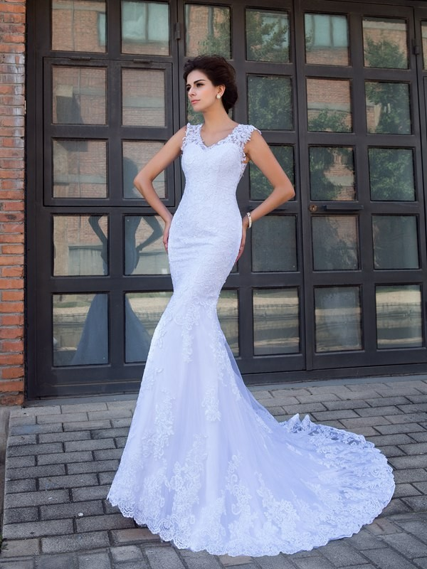 Chicregina Trumpet/Mermaid V-neck Satin Chapel Train Wedding Dress with Beading Applique