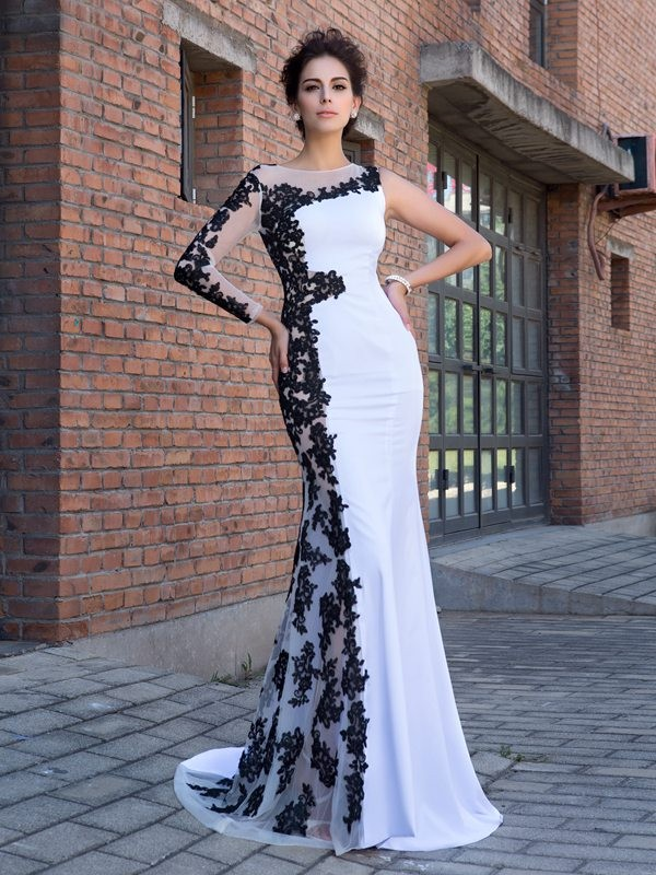 Chicregina Trumpet/Mermaid Scoop Long Sleeves Chiffon Sweep/Brush Train Dress with Lace Applique