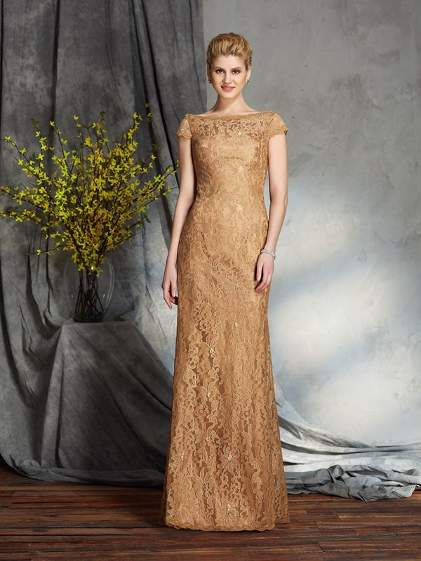 Chicregina Sheath/Column Bateau Short Sleeves Lace Floor-Length Mother of the Bride Dress with Applique