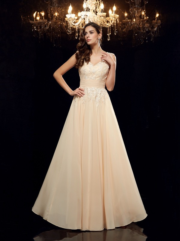 Chicregina A-Line/Princess Straps Chiffon Floor-Length Mother of the Bride Dress with Sequin Applique