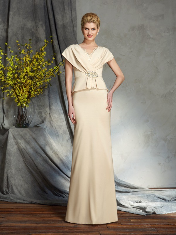 Chicregina Sheath/Column V-neck Short Sleeves Silk like Satin Floor-Length Mother of the Bride Dress with Beading